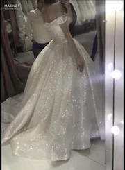 Продам платье новое. Сверкает как звезды.